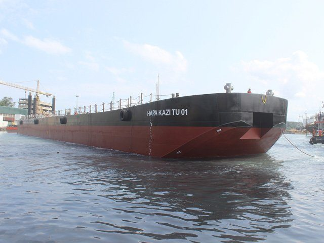 TPA Barge